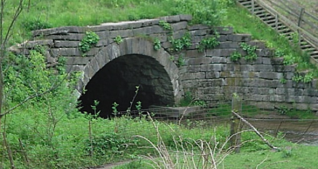 Burnett's Creek Arch in Carroll County Indiana